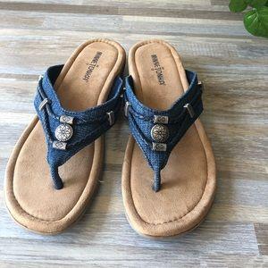 Minnetonka Wedge Beaded Flip Flop Sandals Size 9